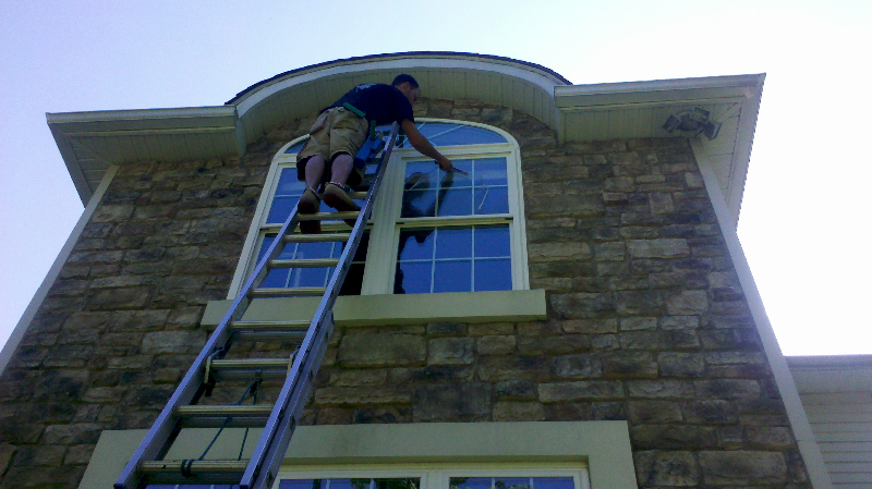 window cleaning of a residential home